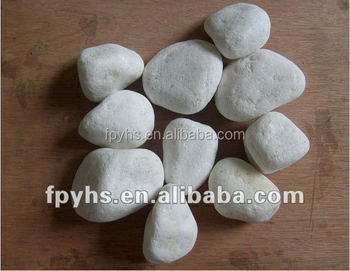 sonw white pebble stone on wall