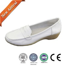 Soft Leather Lightweight Slip-on Clinic Doctor Breathable TPR Nurse Shoe