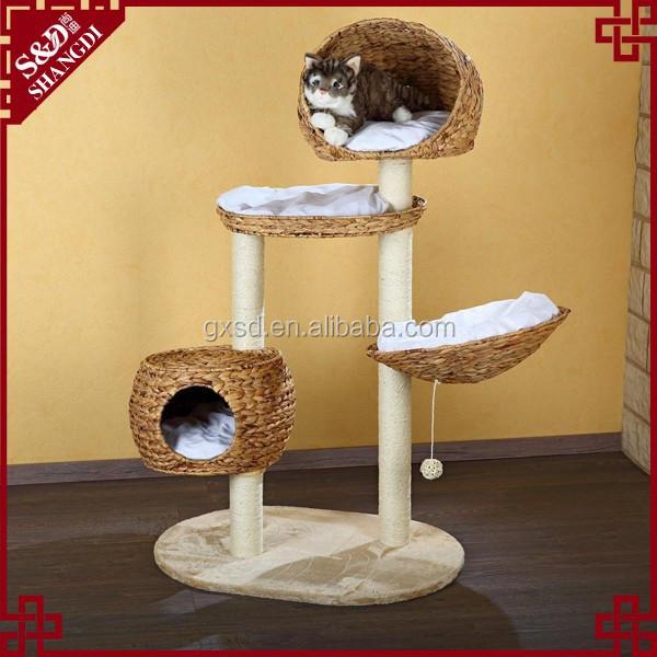 Unusual cat toys