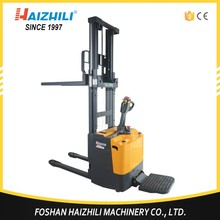 1500kg electric motor pallet stacker, straddle electric stacker wide leg stacker forklift price