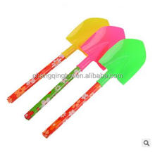 Children's beach toy shovels wooden handle flowers can be used as shovel-shoveling tools