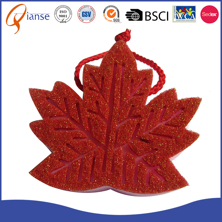 2017 hot selling red color dish scrubber magic dishwashing handguard maple leaf shaped cleaning sponge