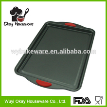 New Products BK-D5025S BSCI Gold Teflon Coating Cookie Sheet / Cake Pan with Silicone Handle