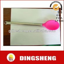 FDA silicone spoon in 26.6cm length