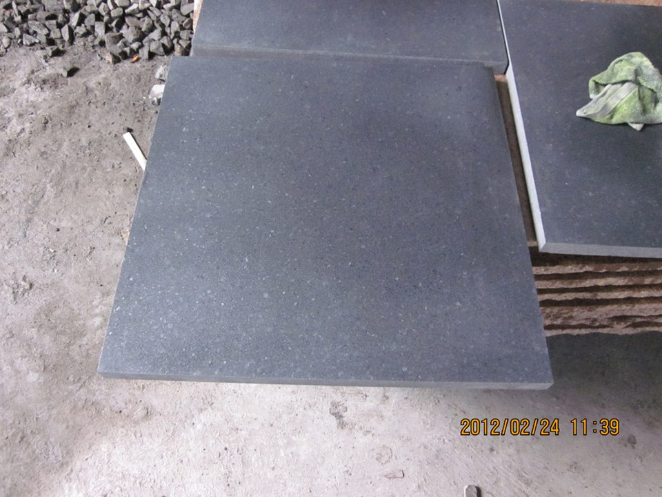 Honed G684 Granite Tile 40x40 black basalt stone