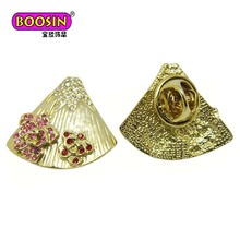 2018 Guangzhou soft enamel metal design sea shells shaped custom lapel pins badge with gold plating