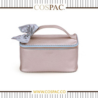Latest Fashion Luxury Design for Ladies Pearlized PU Material with Satin Ribbon Decoration Cosmetic Bag Set