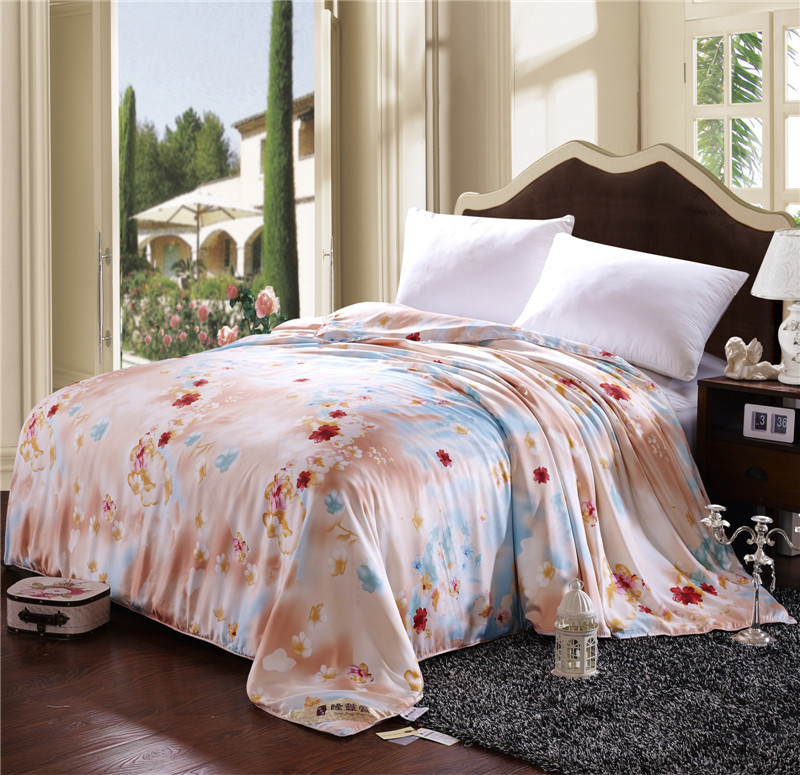 Factory supplier soft digital printed double cloth silk quilt 100% mulberry silk bedding quilt
