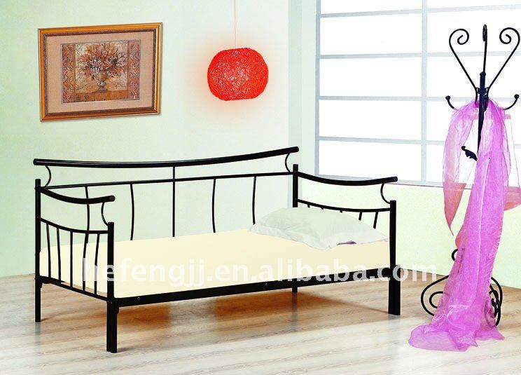 Discount bed frames canada adjustable bed mattress canada for Cheap double divan bed frames