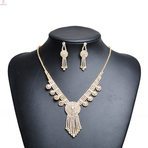 Wedding Crystal Jewellery Designer 20 Gram Necklace Gold Mangalsutra Design
