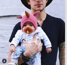 Fashion hot sale cute design red unicorn knitted hat for baby