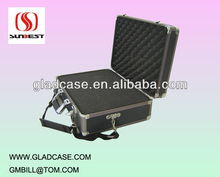 High quality aluminum camera case with sponge foam and shoulder belt