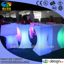 Recharger RGB LED bar table in night club / new led bar furniture