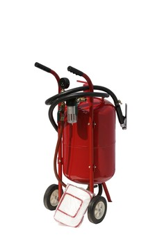 new condition mini 5GAL vacuum sandblaster for selling