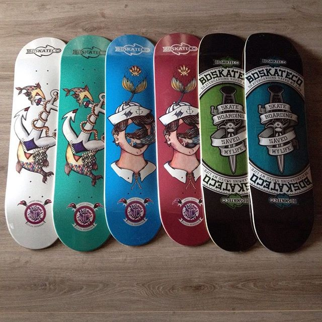 New Design Canadian Maple Supreme Skateboard Deck with OEM Graphic Printing