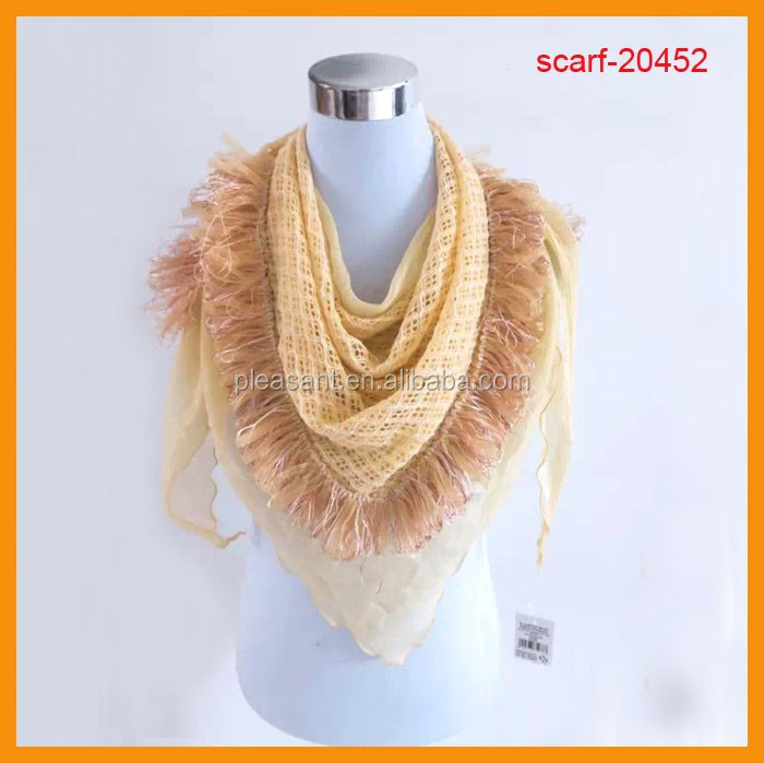 Fashion triangle scarf with tassel pattern
