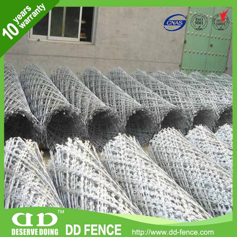 Single Twisted Barbed Wire / Wire Security Fencing