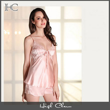 Wholesales deep V luxury beauty pink soft lace silky satin strappy backless top short pant sleepwear lingerie women pajamas set