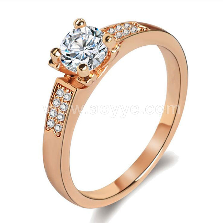 Wholesale new arrival elegant fashion jewelry simple design women custom crystal rings