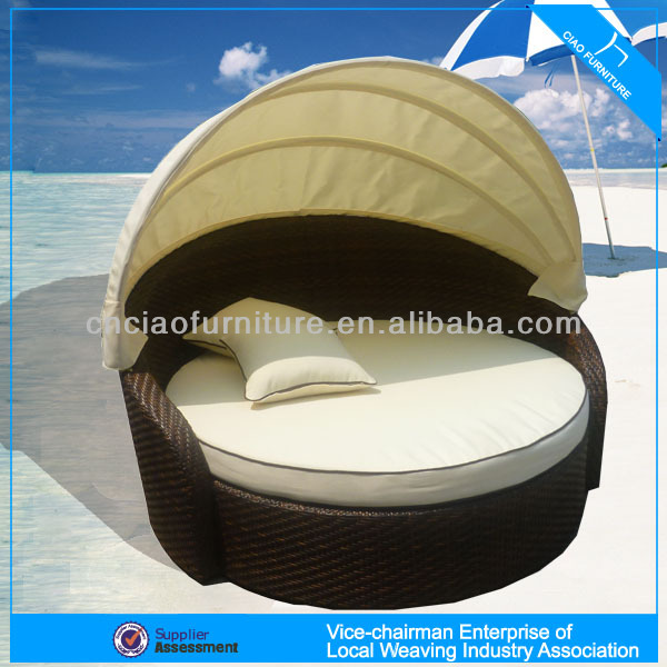 Outdoor Garden Rattan Day Bed With Canopy