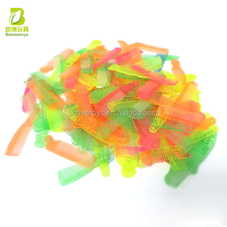 Girls Beauty Comb Small Plastic Toy for Vending Machine Capsule