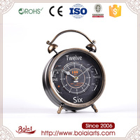 Special metal dashboard surface design old fashioned quartz table clock