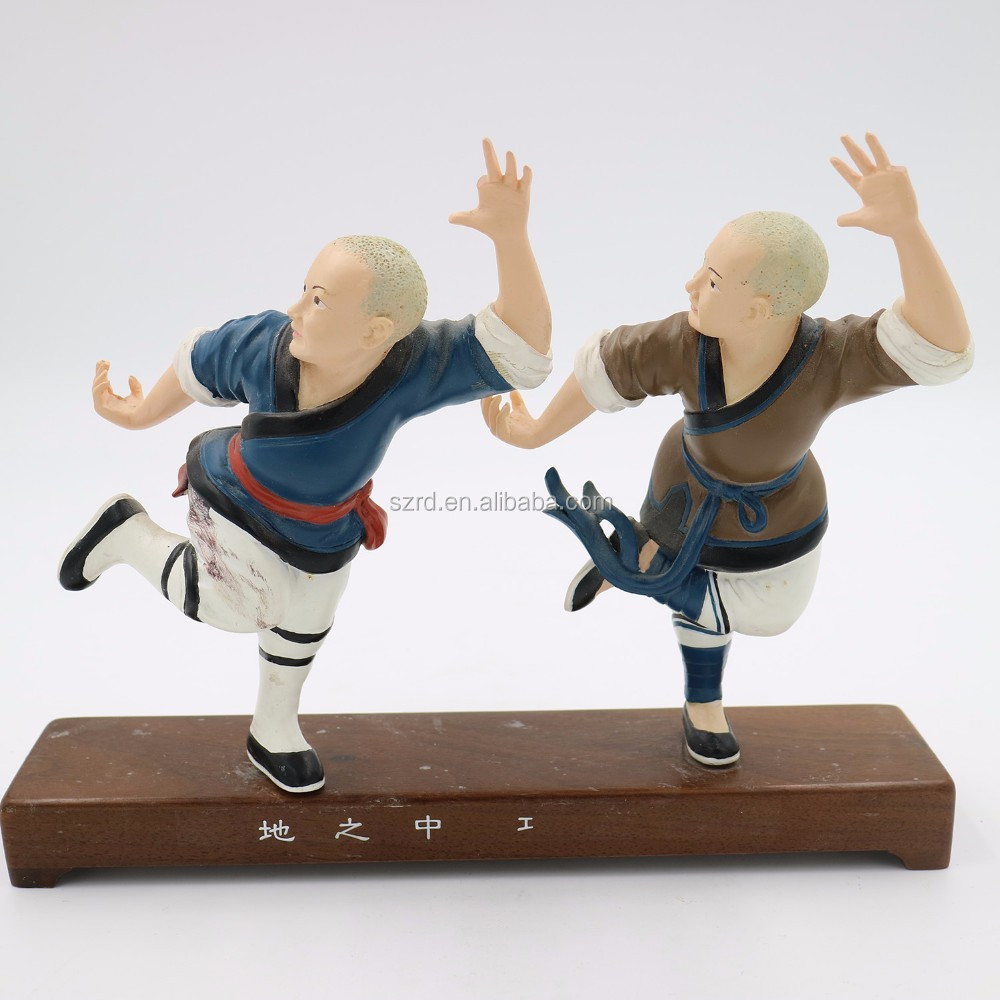 Hot selling custom funny dancing people polyresin pop figures