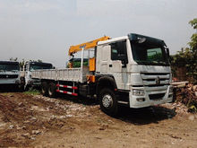 HOWO Off-Road Truck Mounted Crane