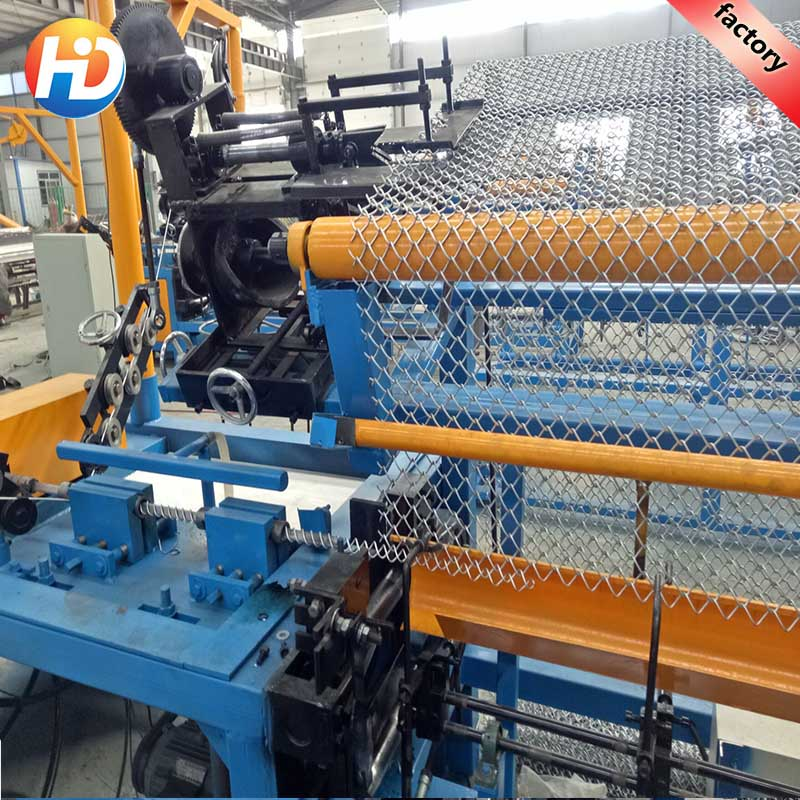 High Efficiency single wire fully-automatic chain link fence machine For highway fence
