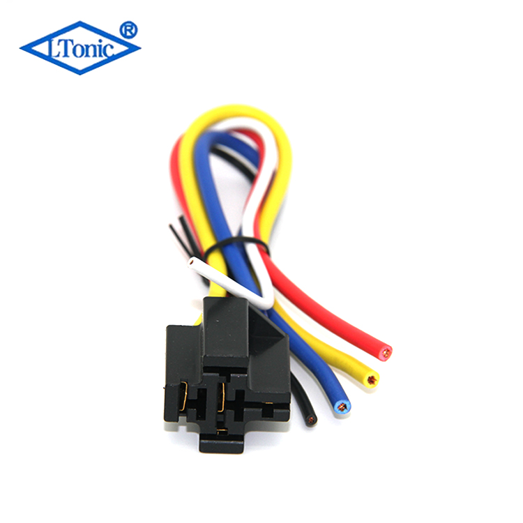 General type automobile relay socket