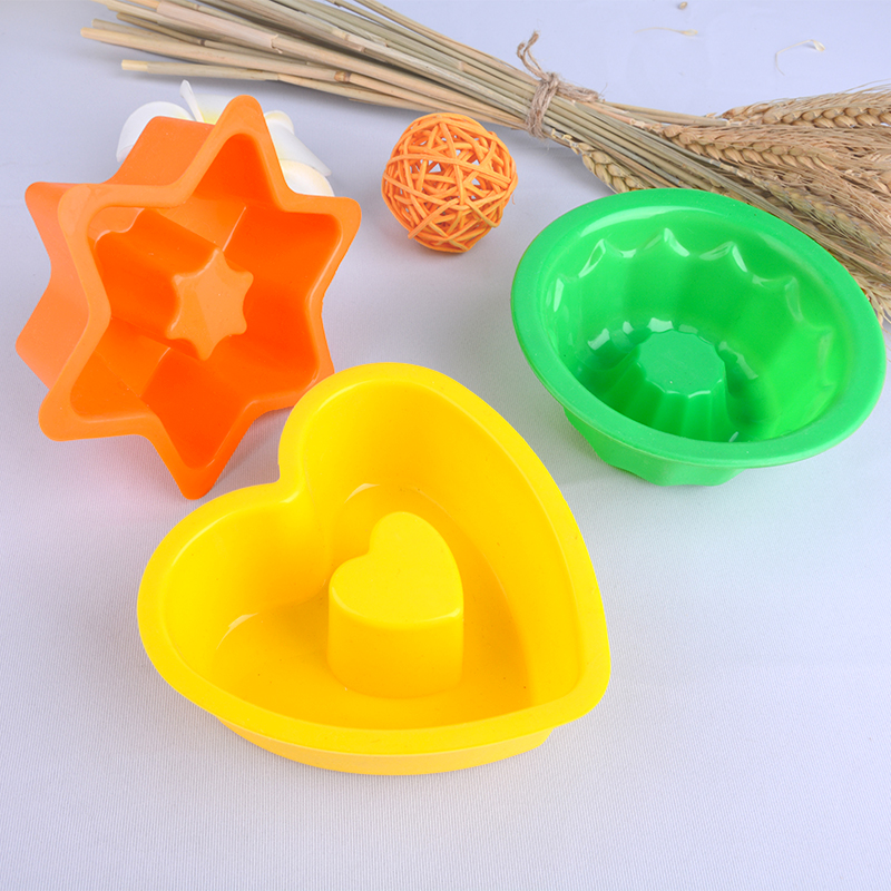 Factory Manufacture baking silicone molds on Amazon.com