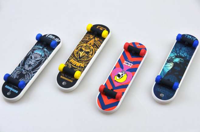 skateboard club usb leaf shaped usb flash drive Factory Wholesale OEM lighter USB