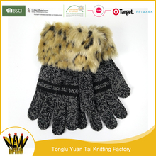 Amazon best selling acrylic knitted leopard print winter glove