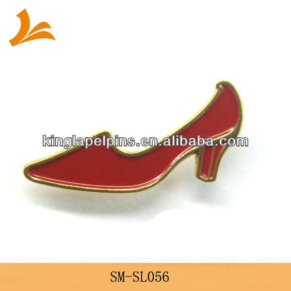 SM-SL056 gold red high-heel shoe lapel pins