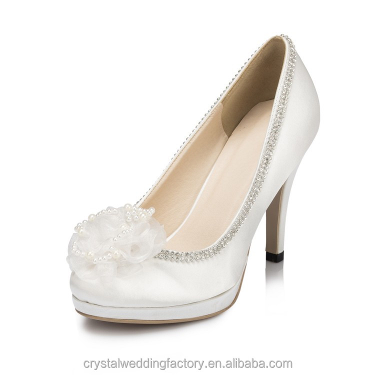 Alibaba hotsale 10.5 cm heel bridal wedding shoes with Pearls flowr wedding shoes LS02