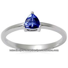 1 gram light weight gold ring setted with trillion cut natural tanzanite from tanzania