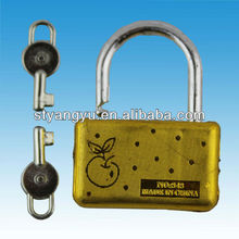 Small Plastic Lock Toy with two keys lock toy