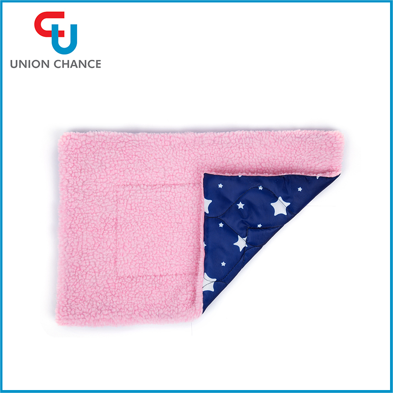 114G Waterproof Pet Mat Middle Size Nylon Pads For Cat Soft Warm Pet Mat