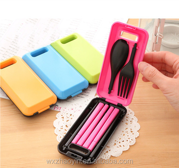 Hot selling eco-friendly portable foldable tableware set