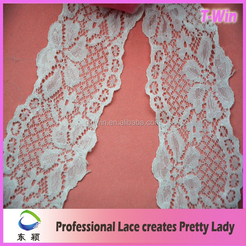 Leaf french bridal veil trim