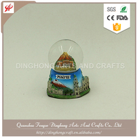 New Custom Design Resin Handmade Snow Globe Clear Plastic Globe