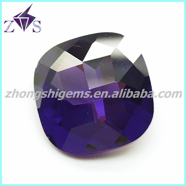 Checker Cutting Cubic Zircon Stone with Cross inside