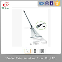 telescopic spring steel retractable grass rake with 15 tines