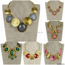 Wholesale Statement Collar Choker Gold Plated Vintage Rhinestone Carved Snakeskin Pendant Necklace