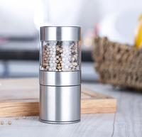 20167 new design simple and cool shape light pure salt and pepper grinder set