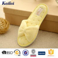 Bright color yellow design print new funny nude kids slippers