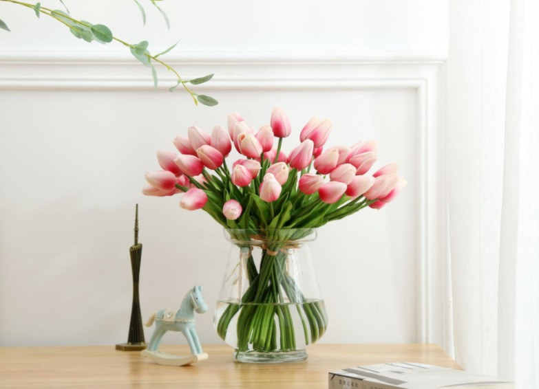 Factory Wholesale Home Decoration Mini Touch PU Tulip Artificial Flower Household Silk Wedding Flowers