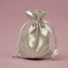 China Manufacturer SILVER drawstring Satin Jewelry gift bag