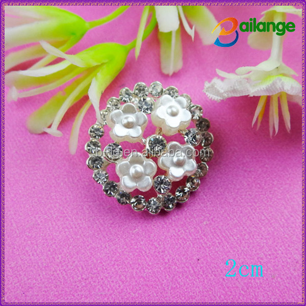 Welding on rhinestone garment accessories round character button