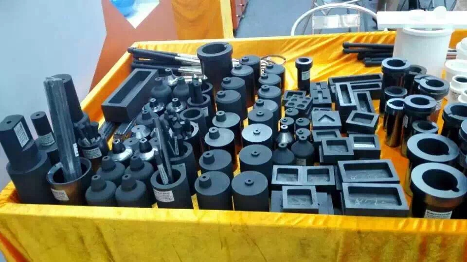 Graphite mould and graphite die -- isostatic material